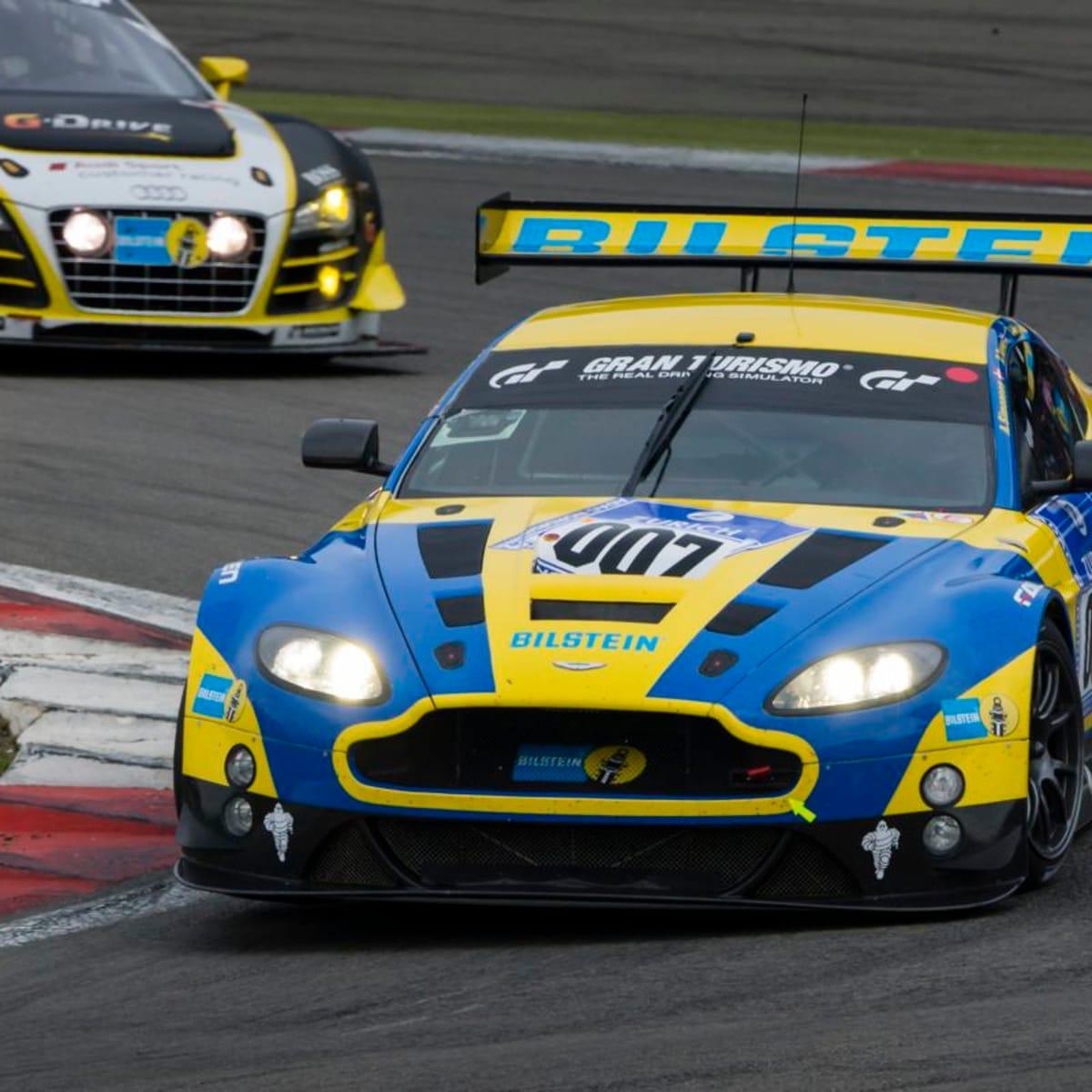 Aston Martin V12 Vantage Gt3 Leading Nurburgring 24 Hours Caradvice