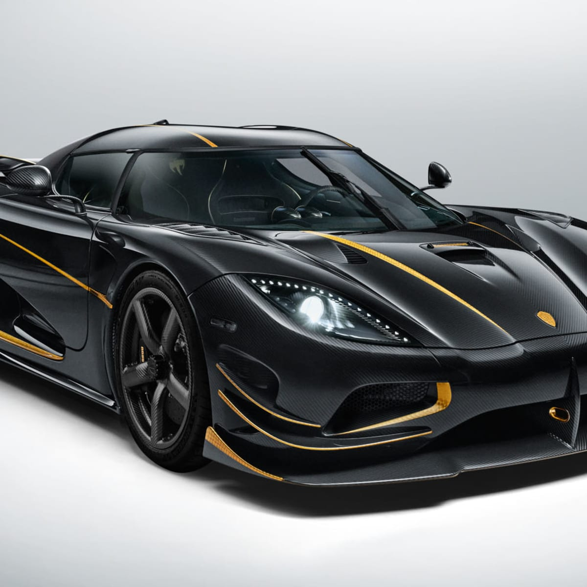 Koenigsegg Agera Rs Gryphon One Off Hypercar With 24 Carat Gold Trim Revealed Caradvice