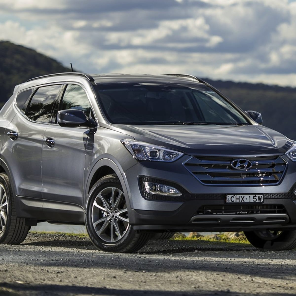 hyundai santa fe: heavy duty towing kit boosts down ball rate to 150kg |  caradvice