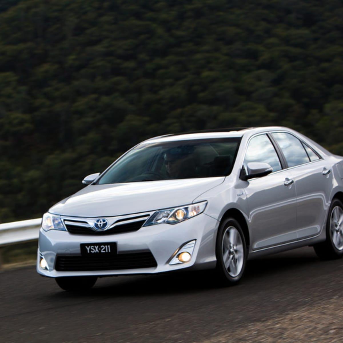Kelebihan Kekurangan Toyota 2012 Perbandingan Harga