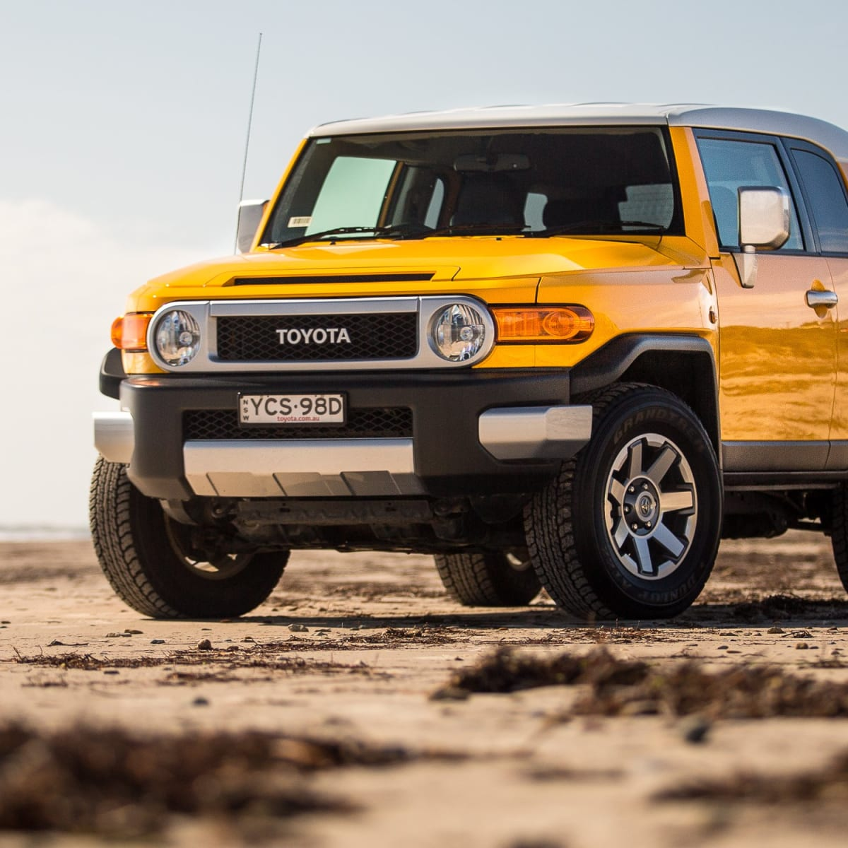 2016 Fj Cruiser >> 2016 Toyota Fj Cruiser Review Caradvice