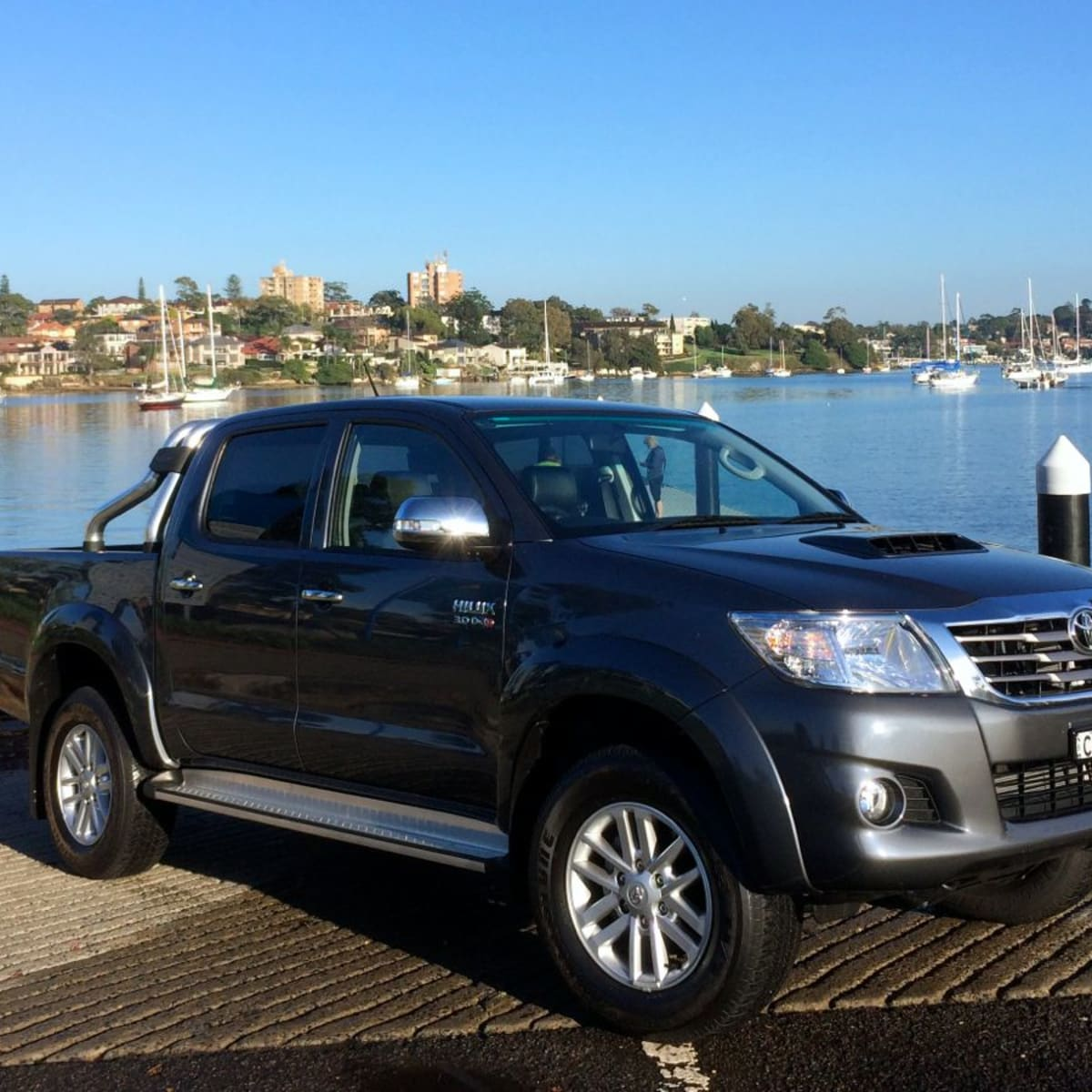 225 Toyota HiLux Review : 225x225 SR25 diesel dual-cab  CarAdvice