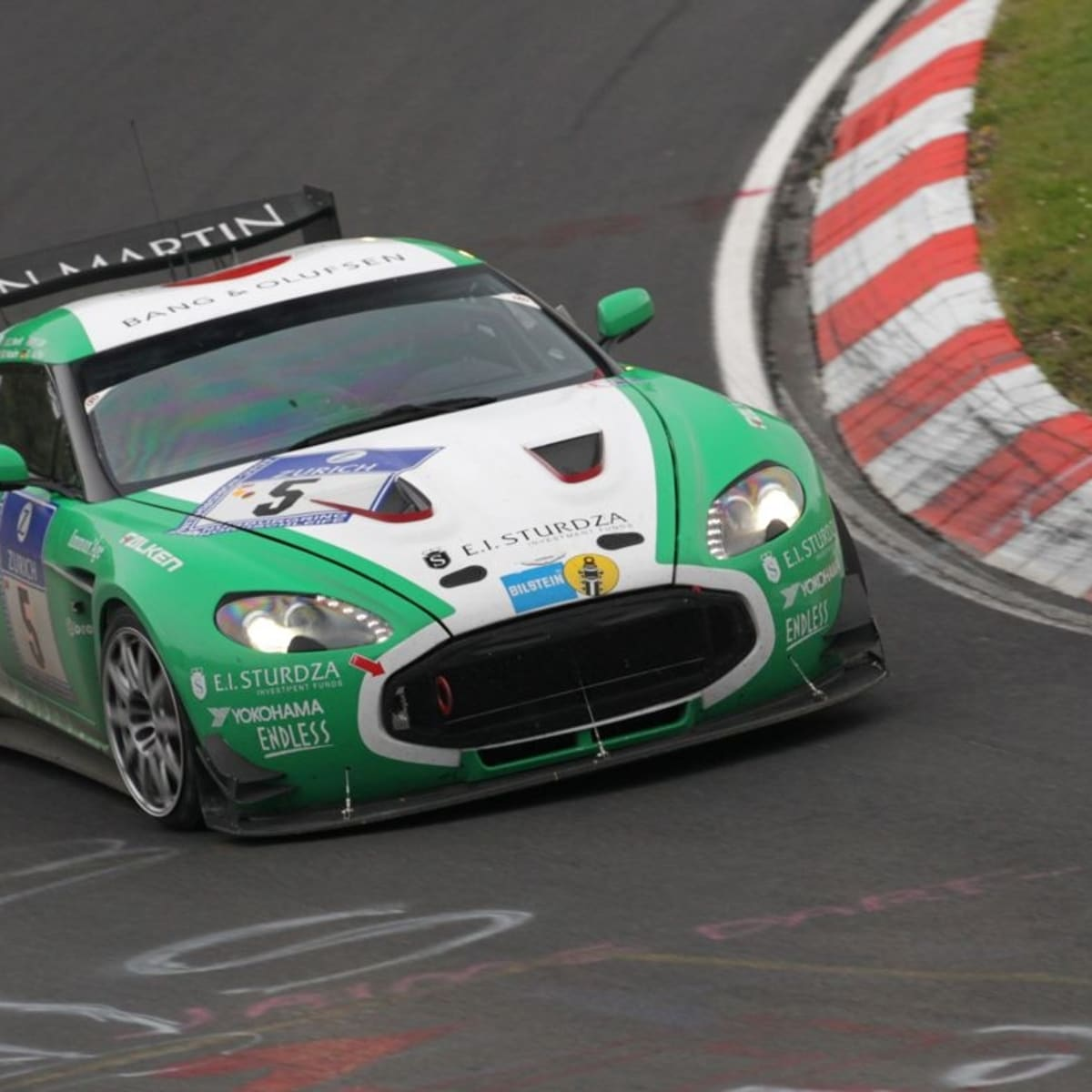 Aston Martin V12 Zagato In Class Lead After 9 Hours Caradvice
