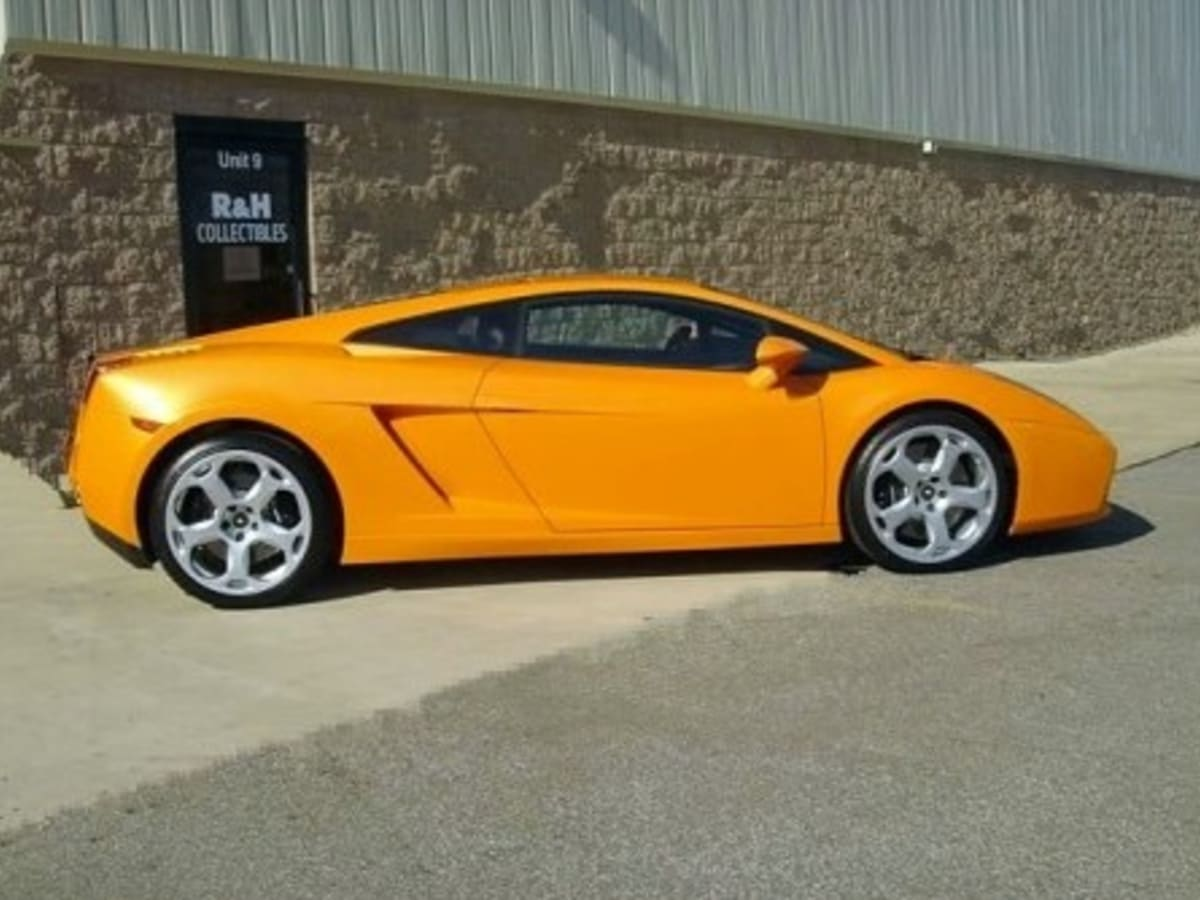 Lunatic Turns His Lamborghini Gallardo Into A Ford Mustang