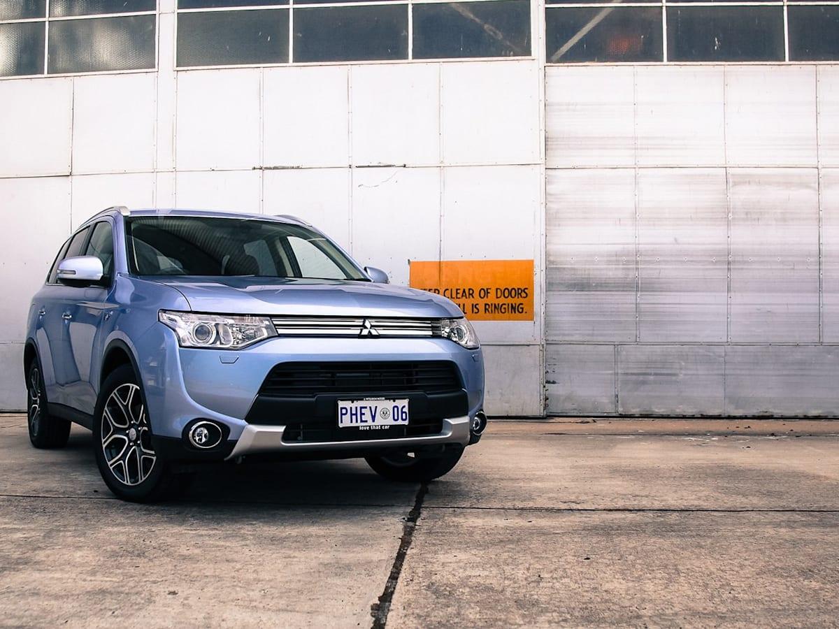 2014-14 5 Mitsubishi Outlander PHEV recalled   CarAdvice