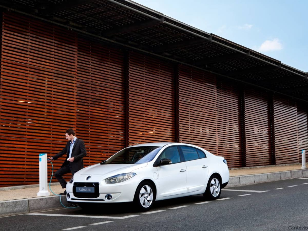 2012 Renault Fluence Z E Battery Swapping Electric Car Coming To Australia Caradvice