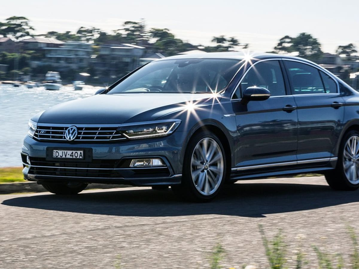 Passat R Line 2017 >> 2017 Volkswagen Passat 206tsi R Line Review Caradvice