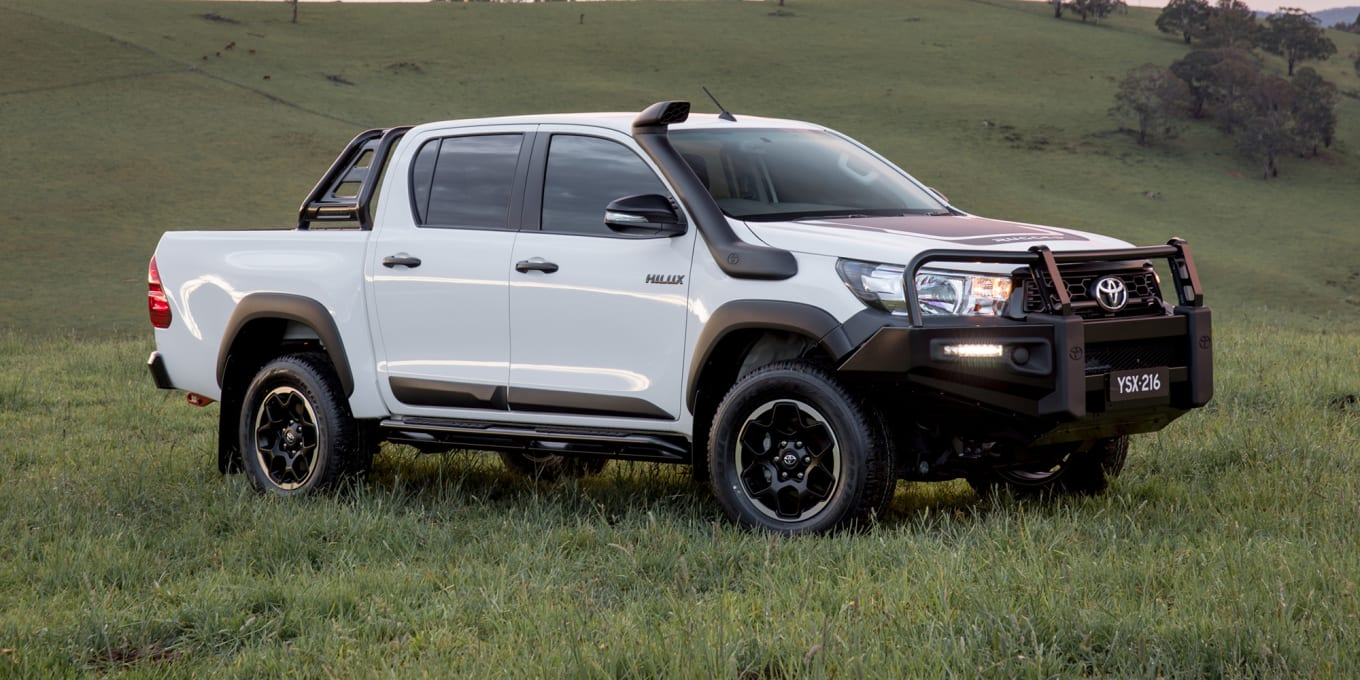2015 - [Toyota] Hilux - Page 3 Toyota-hilux-rugged-rugged-x-rogue-36760_hr