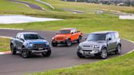 视频:福特猛禽vs吉普角斗士vs路虎卫士-驾驶汽车2021年最佳越野车辆