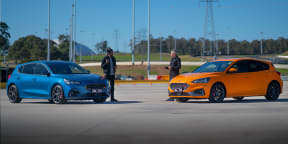 2020 Ford Focus ST manual v automatic motorkhana comparison