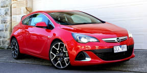 Opel Astra OPC Video Review