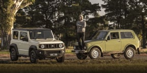 Video: Suzuki Jimny v Lada Niva – flex comparison and tug-of-war