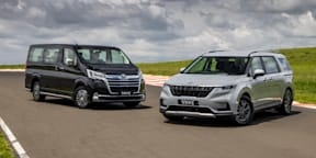 Video: Kia Carnival v Toyota Granvia - Drive Car of the Year 2021 Best People Mover