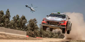 Helicopter versus Rally car: MD 520N v Hyundai i20 WRC