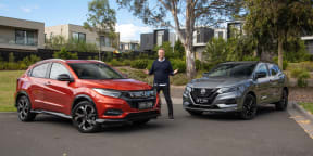 Video: 2021 Honda HR-V RS v Nissan Qashqai Midnight Edition Comparison