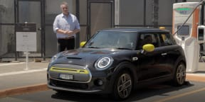 Video: Mini Cooper Electric - 100km/h range test