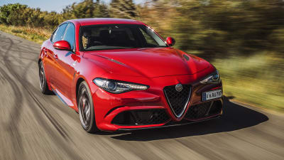 Alfa Romeo Giulia Msrp >> 2019 Alfa Romeo Giulia Pricing And Specs Caradvice