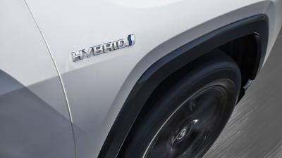 Toyota and Lexus halt sales of select hybrids over brake issue