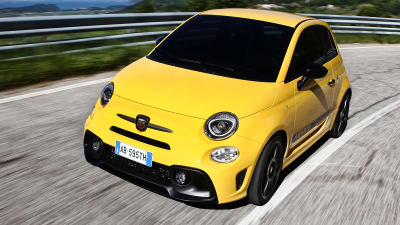 2018 Abarth 595 Fiat 500 Infotainment Upgraded Update Caradvice