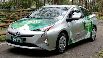 Flex Fuel Cars >> Toyota Unveils Flex Fuel Hybrid Prius Caradvice