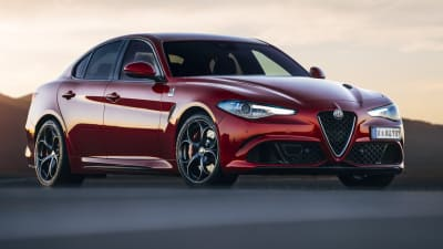 Alfa Romeo Giulia Msrp >> 2017 Alfa Romeo Giulia Pricing And Specs Caradvice