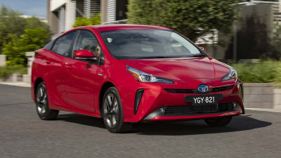 2019 Toyota Prius Pricing And Specs Caradvice