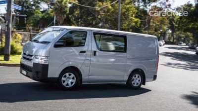 be1e2b9f64 ... so there s nothing extra here beyond what you get standard for that  entry price. Read Mike s test of the 2015 HiAce LWB Crew Van.