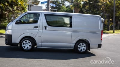 3caff92848 2016 Toyota HiAce LWB Review