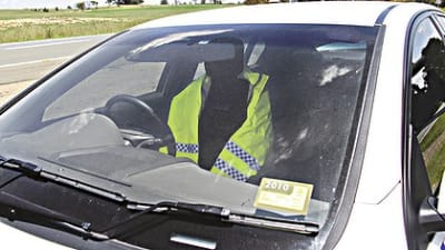Decommissioned cars, fake police combat NSW speeding | CarAdvice