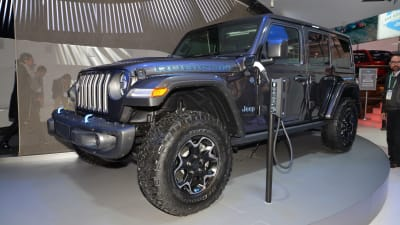 2020 Jeep Wrangler News Diesel Phev Price >> Jeep Wrangler 4xe Plug In Hybrid Ev Revealed At Consumer