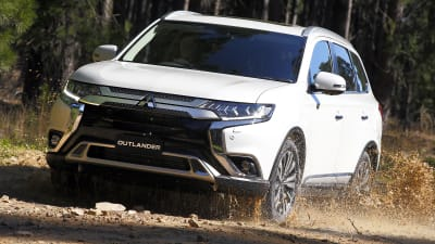 2020 Mitsubishi Outlander Pricing And Specs Caradvice