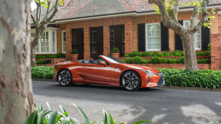 Video: Eight cool features of the 2021 Lexus LC500 Convertible