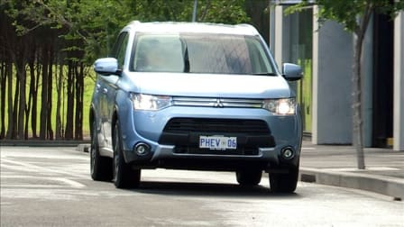 Mitsubishi Outlander PHEV Review: Video