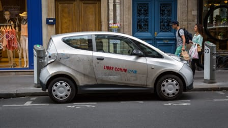 Autolib' EV car share system in Paris - 2015