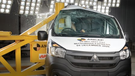 Vide: 2020 Mitsubishi Express van slammed after zero safety score