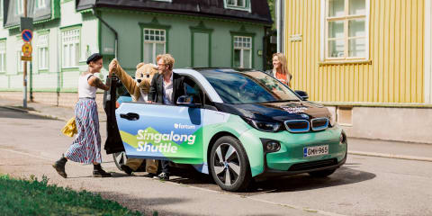 EV-promoting Helsinki singing taxi enters service
