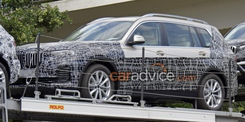 2019 BMW X7 interior spied virtually undisguised