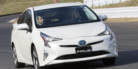 2016 Toyota Prius Review: Quick drive