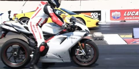 Video: Ferrari 458 vs Ducati 1198s race by MotorTrend