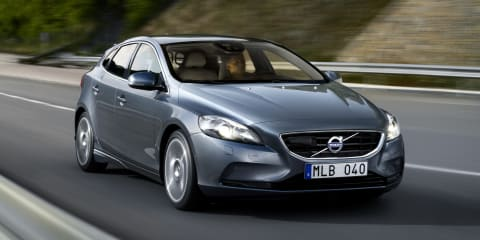 Volvo V40: official pictures of new premium hatchback