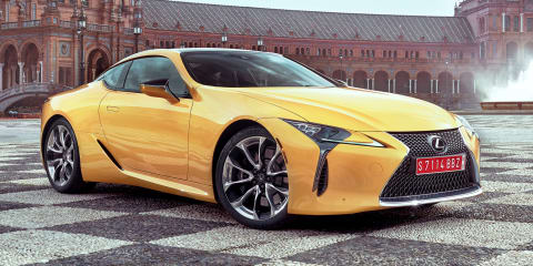 Lexus LC500 powers through Bristol carpark - video