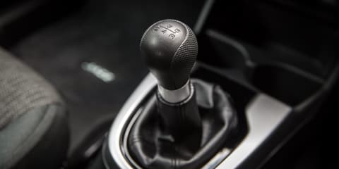 Learn how to drive a manual car –Video