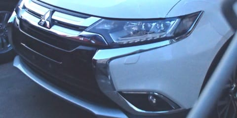 2016 Mitsubishi Outlander front end revealed in new spy image