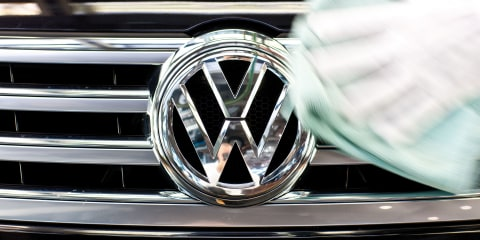 Volkswagen considering a sedan to sit above Passat, below Phaeton - report