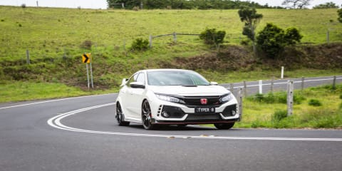 Honda pits virtual Civic Type R against the real deal - VIDEO