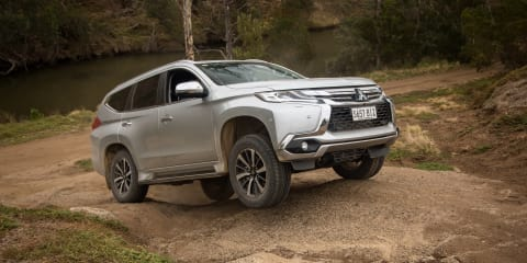 What is the difference between 2WD, 4WD and 4WD with differential lock?: Video explanation with the Mitsubishi Pajero Sport
