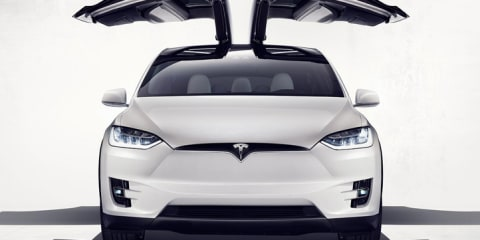 Tesla Model X Review :: First Impressions