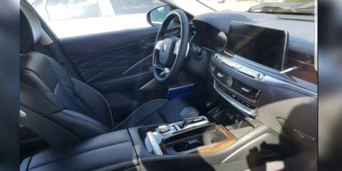 Kia K900 interior snapped ahead of potential New York reveal