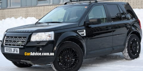 Land Rover LRX mule spy photos