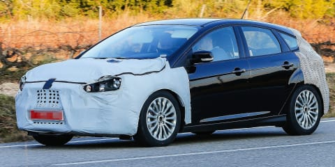 Ford Focus : facelifted hatch, wagon spied testing